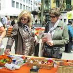 Francina Alzina presidenta de la FCVS visita la parada d'ABD