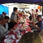 Comida comunitaria con los más de 50 voluntarios