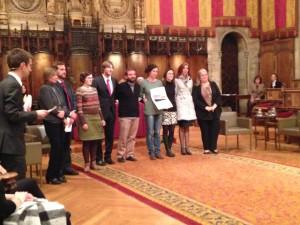 Ivan Utrilla, Rosa Maria Navarro, Clara Ramoneda i Ángeles Castuera en representació dels i les voluntàries del Fuel Poverty Group, i Aniol Esquerra d'Ecoserveis i Núria Salas de Fundació ABD.