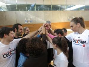 Darrera sessió de One Team, amb la participació de Lucila Pascua, jugadora de la selecció espanyola de bàsquet, i Joe Arlauckas, ex-jugador del Reial Madrid.